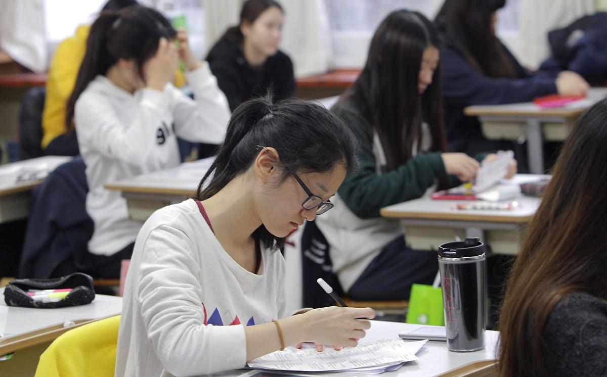 студенты - профессии.jpg