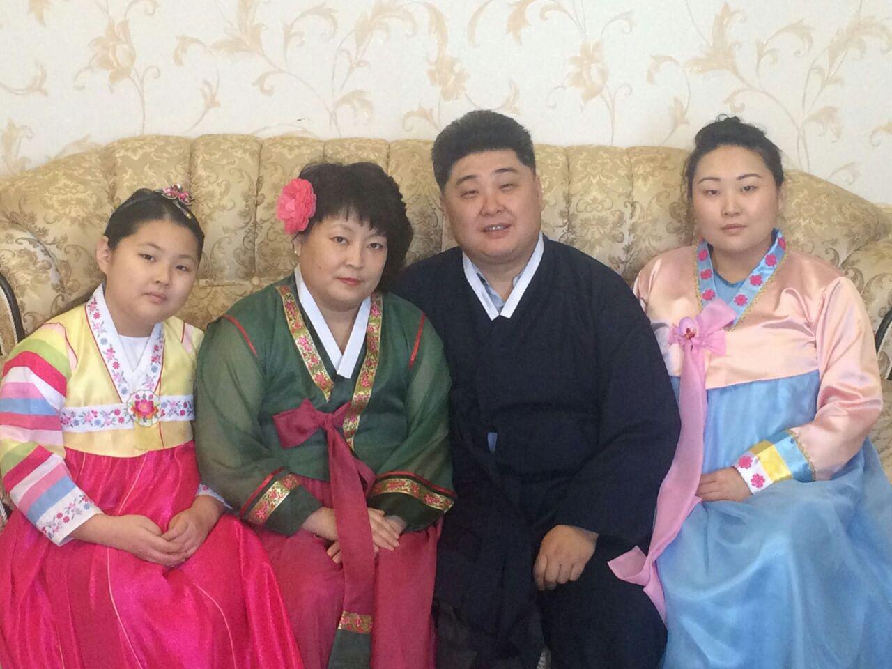 В кругу семьи.jpg
