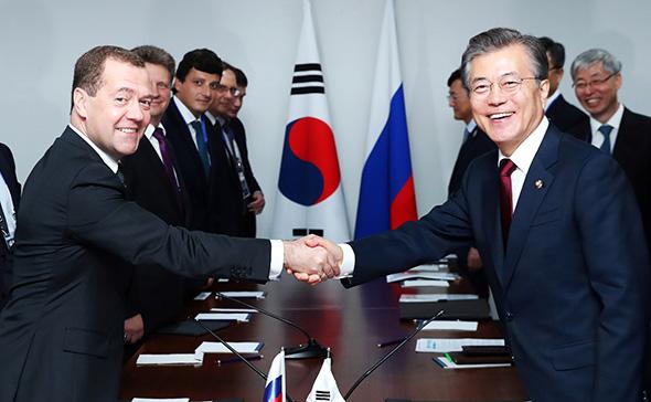Сеул и Москва.jpg