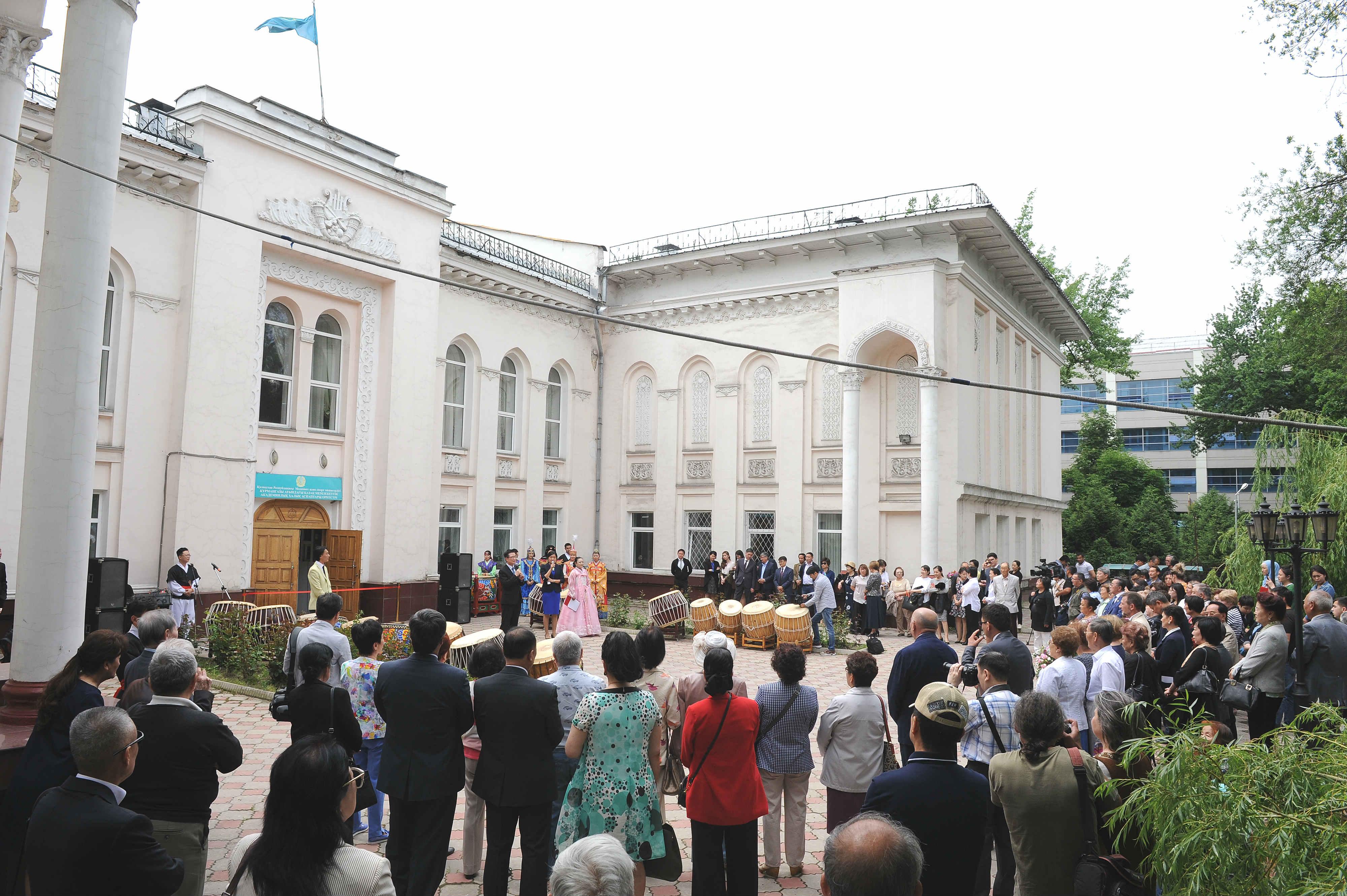 Театр вернулся в центр Алматы.JPG