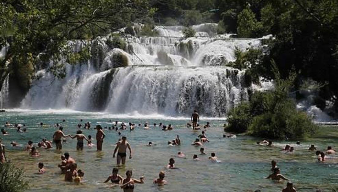 туристы - Хорватия.jpg
