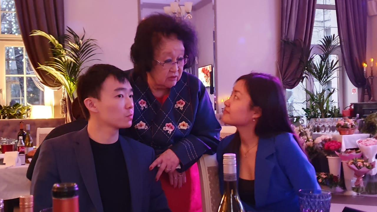 4 Напутствие молодёжным активистам Павлу Пай и Жене Цой.jpg